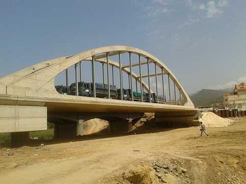 Prueba de Carga de Puentes en Valencia Troyano